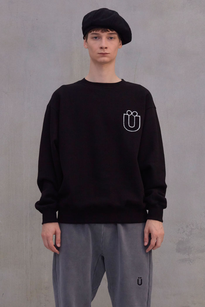 LOGO BOUCLE PATCH SWEATSHIRT[BLACK]